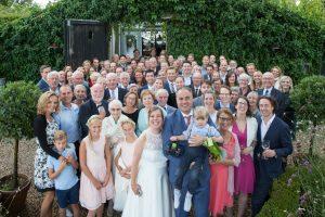 Groepsfoto trouwen
